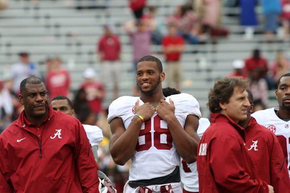 low priced 26a14 6045d Alabama Football's O.J. Howard Named to Mackey Award Watch ...