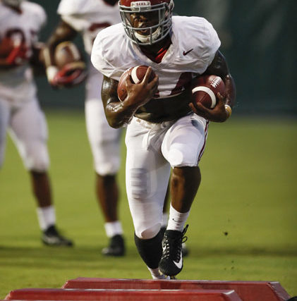 08-13-18 MFB Practice Alabama runningback Damien Harris (34) Photo by Amelia B. Barton 08-13-18 MFB Practice Alabama runningback Damien Harris (34) Photo by Amelia B. Barton